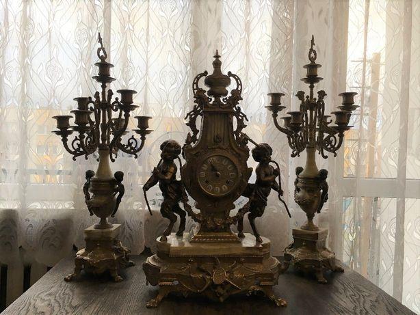 2 Mosiężne świeczniki i zegar holenderski antyk z mosiądzu