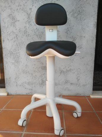 Cadeira de consultório dentário PELE sintética