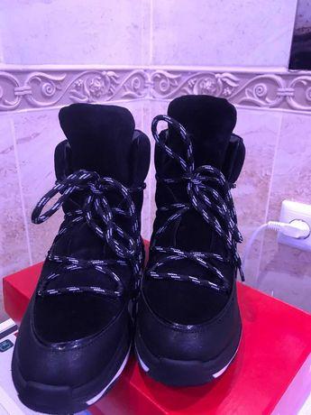 Ботинки зима -40разм.26см стелька.кожа и замш натуралка