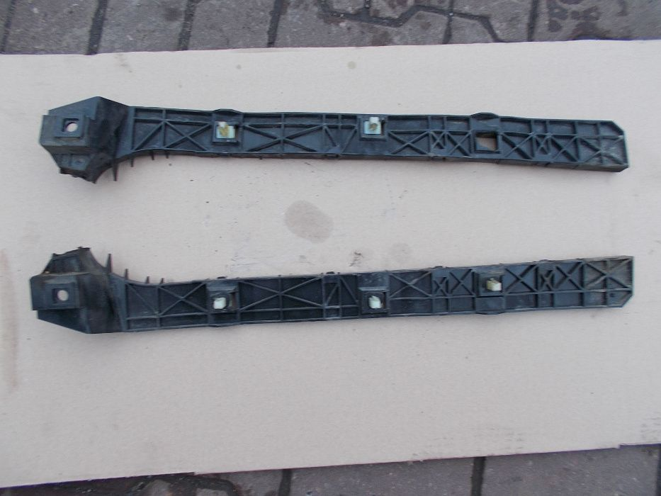 Ślizgi zderzaka tył Mitsubisi Grandis 2,4 Leszno - image 1