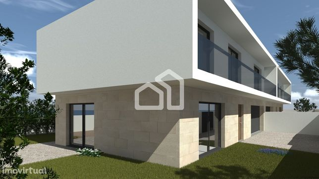 Moradia Geminada T3 com Arquitetura Moderna