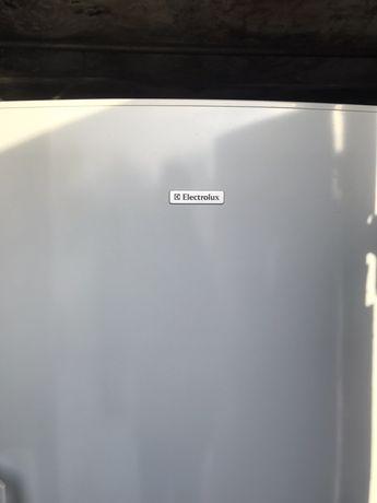 Морозильна камера Electrolux EUC3125W в хорошому стані!