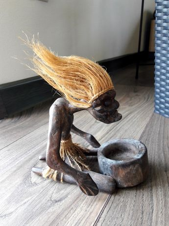 Świecznik figurka drewniana