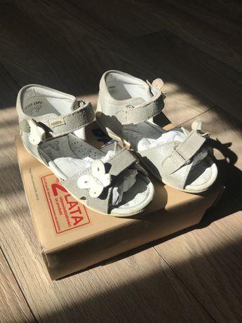 Босоніжки Bartek розмір 26 шкіра сандали бартек кожа