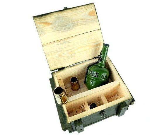 Подарочный набор РГД-5 в деревянном ящике, граната бутылка с рюмками