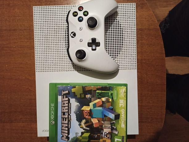 Xbox one s 1TB + gra + pad