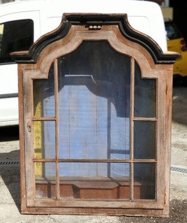 grande oratorio em madeira maciça pintado a mão séc.XVIII