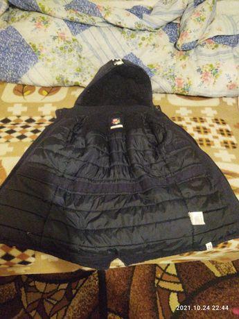 Курточка зимняя . На мальчика 5-6 лет