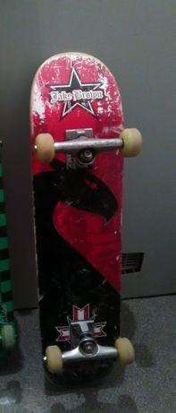 Skate completo com pouco uso.vendo ou troco por telefone ou tablet