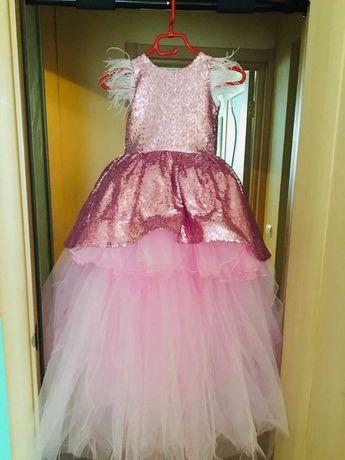 Новое нарядное бальное платье
