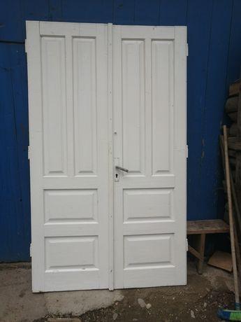 Двері ширина 1.35,висота 2,25