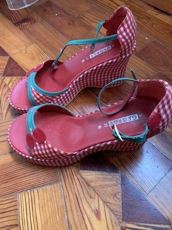 Sandalias pin up vermelhas