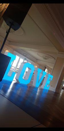 Napis Love wynajem Wesela , sesje zdjęciowe !