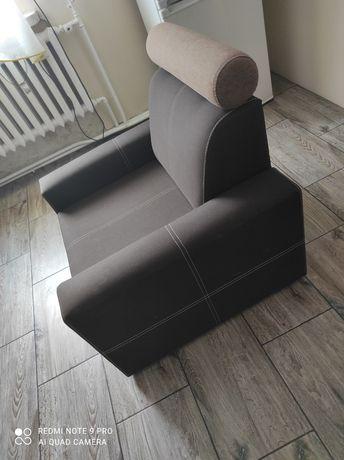 Sprzedam dwa takie same fotele, w kolorze brązowym