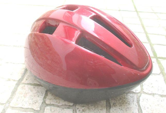 Capacetes para crianças (2x) e adulto (1x) para bicicleta usados