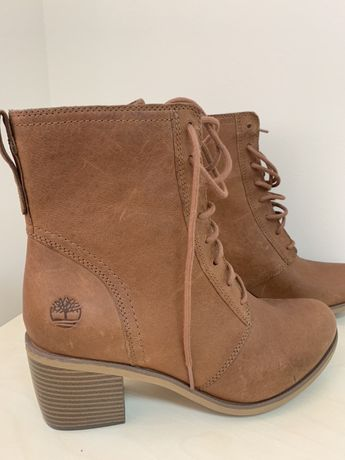 Продам женские ботинки Timberland