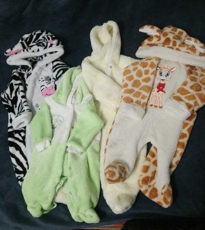 Дитячі костюмчики від народження до 6 місяців