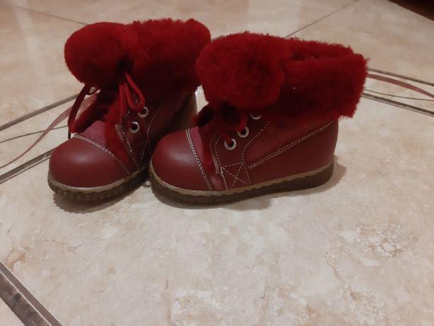 Чобітки сапожки ботинки