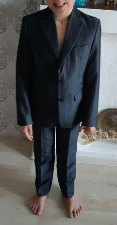 Школьный костюм 8-10лет