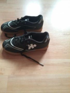 Buty halówki do piłki nożnej r.31