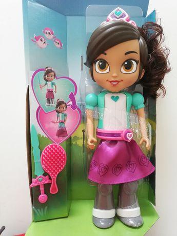 Lalka Nekla Princess Knight transformujaca prezent na Mikołaja