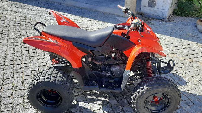 Moto Aeon Cobra 220