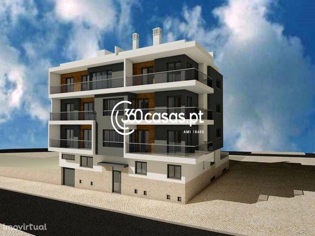 Apartamento T2 novo com terraço e garagem no Montenegro