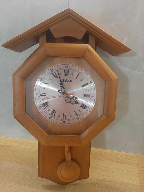 Piękny drewniany zegar ścienny LaBoss