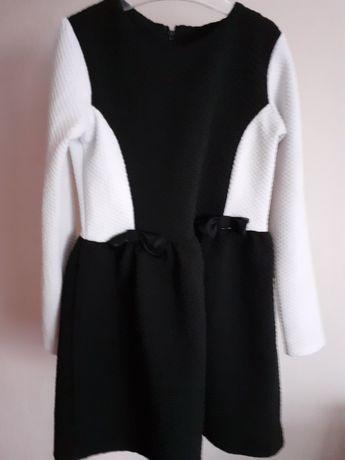 Śliczna sukienka dla dziewczynki święta