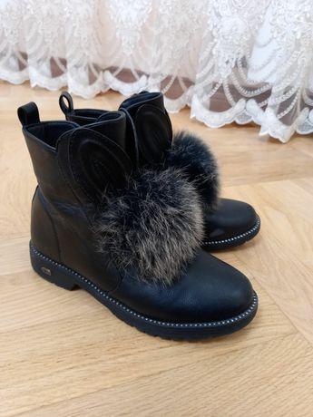 Продам дитячі осінні черевики,чобітки, взуття