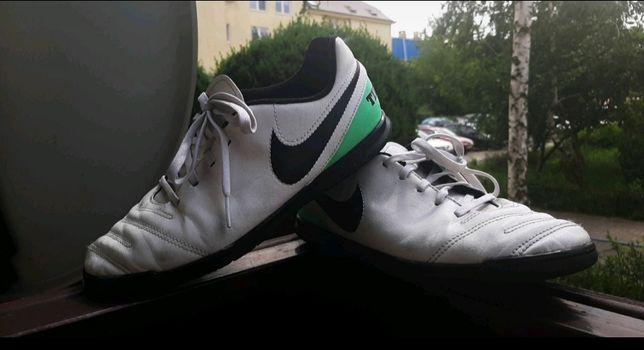 Buty piłkarskie Nike Jr Tiempox Rio