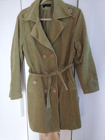 Płaszcz sztruksowy 42