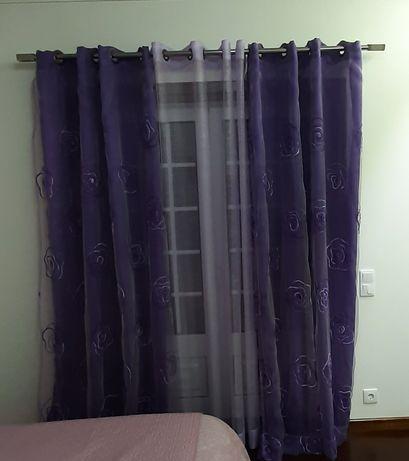 Vendo cortinas com barao de inox incluído