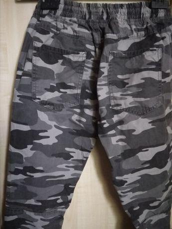 Spodnie chłopięce joggersy 164
