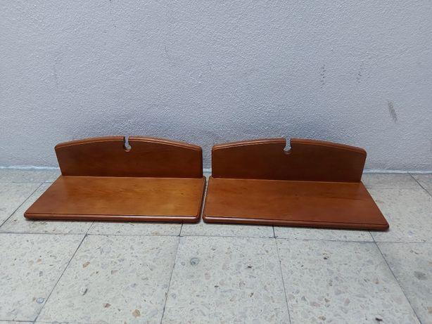 Prateleiras em madeira para estante