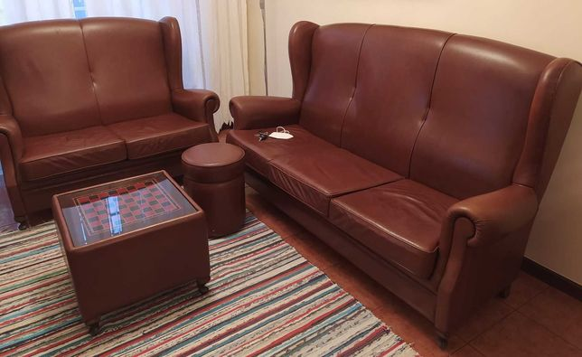 Sofa 3 lugares + 2 lugares + mesa centro + puff