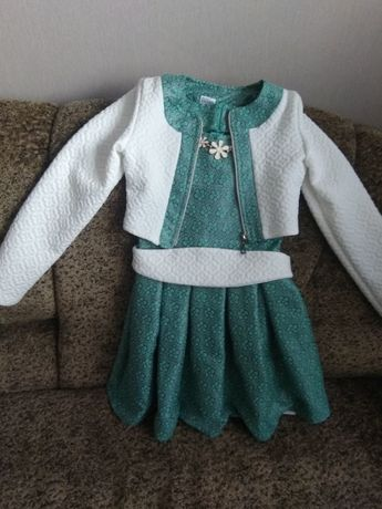 Платье для девочки б/у рост 136