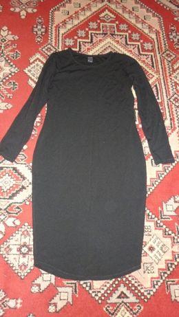 продам трикотажное платье миди