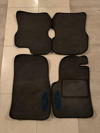Автомобільні коври на Ford Fiesta