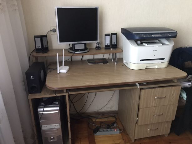 Продам компютерний стіл