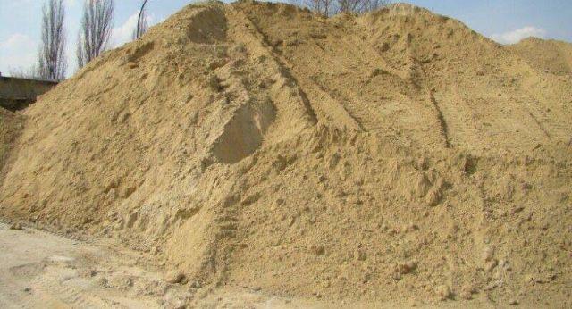 Piasek zasypowy - material z wykopu, Transport wywrotki 3-4 osiowe