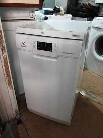 Посудомийна машина Electrolux з Німеччини 50 см окремо стояча