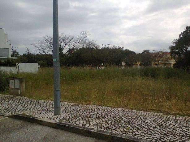Vende-se lote de terreno Qta. das Oliveiras - Alcochete