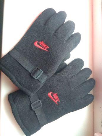 Зимние перчатки мужские. Nike. 250 грн.