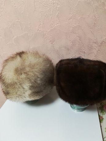Меховые шапки -норка и песец.
