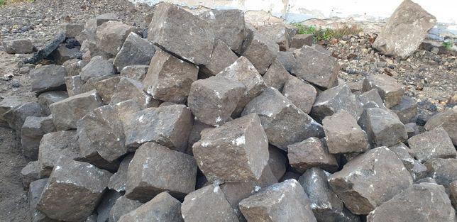 Kamienie polne bruk kostka na drogę grill