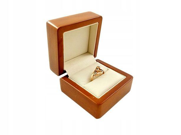 Złoty Pierścionek z cyrkoniami PR. 585 W:2,85g