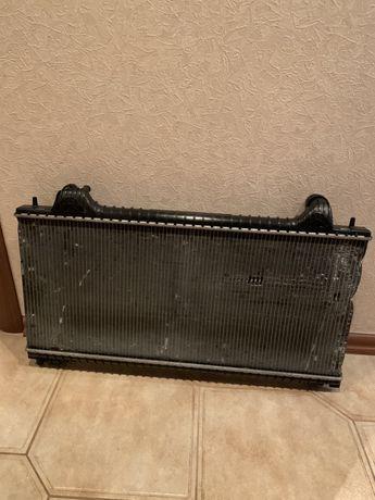 Основной радиатор Ягуар ХЕ 216