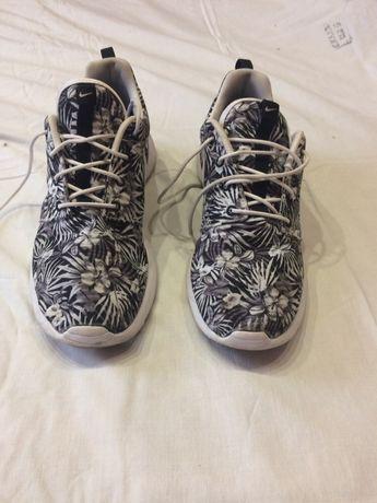 Продам кроссовки обувь nike roshe one 42.5 27