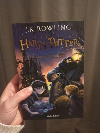 Książka Harry Potter i Kamień filozoficzny J.K. Rowling